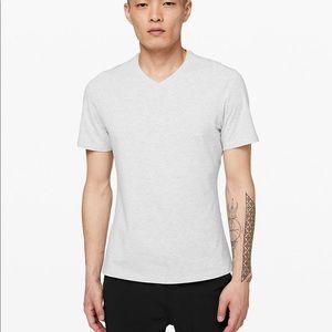 LULULEMON Mens light grey marled tee shirt